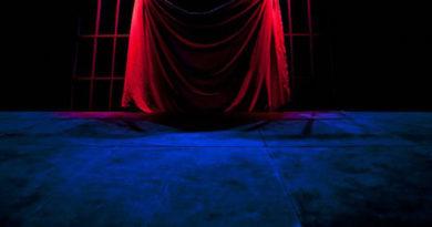 Compagnia Corrado D'Elia cerca un organizzatore teatrale